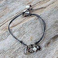 Leather and pearl pendant bracelet, 'Cool Thai' - Leather and pearl pendant bracelet