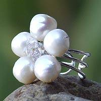 Pearl cocktail ring, 'White Blossom' - Floral Pearl Cocktail Ring