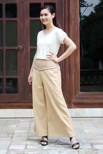 Cotton capri pants, 'Brown Desert' - Handcrafted Cotton Capri Pants