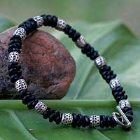 Men's leather bracelet, 'Thai Knots' - Unique Men's Handcrafted Leather Bracelet with Beads