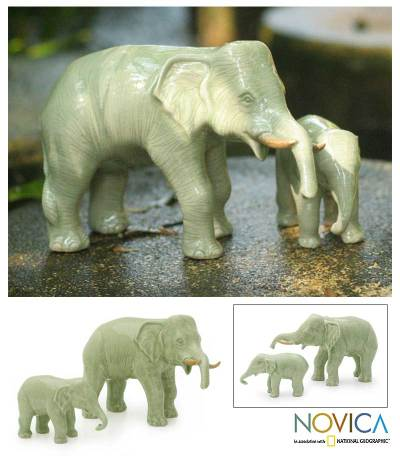 Celadon ceramic statuettes, 'Elephant Dad with Junior' (pair) - Celadon ceramic statuettes (Pair)