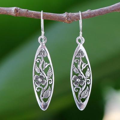 Sterling silver dangle earrings, 'Spring Daisy' - Hand Crafted Floral Sterling Silver Dangle Earrings