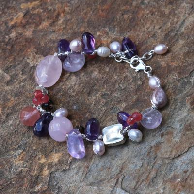 Novica Garnet beaded pendant bracelet, Reverence