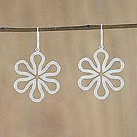 Sterling silver flower earrings, 'Dancing Daisies' - Hand Made Floral Sterling Silver Dangle Earrings
