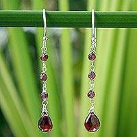 Garnet dangle earrings, 'Lady'