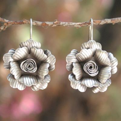 Silver flower earrings, 'Chiang Mai Jasmine' - Artisan Crafted Silver Drop Earrings