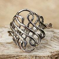 Sterling silver cocktail ring, 'Thistle Knot'