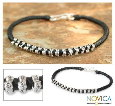 Silver flower bracelet, 'Hill Tribe Grace' - Silver Flower Bracelet