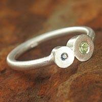 Sapphire and peridot cocktail ring,