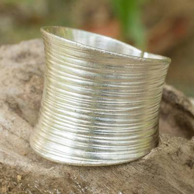 Sterling silver band ring, 'Whispering Snow' - Artisan Crafted Modern Sterling Silver Band Ring