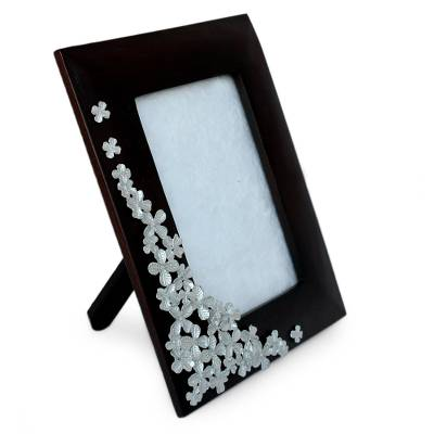 Mango wood and pewter photo frame, 'Summer Clover' (4x6) - Floral Mango Wood Photo Frame (4x6)