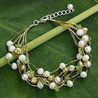 Cultured pearl and peridot beaded bracelet, 'Cloud Forest'