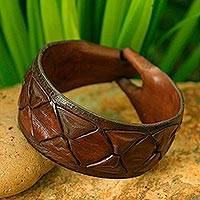 Men's leather wristband bracelet, 'Sukhothai Brown'