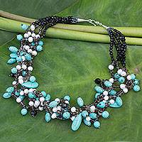 Cultured pearl beaded necklace,