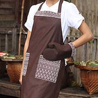 Cotton apron and oven mitt, 'Brown Kitchen Chic' - Cotton apron and oven mitt