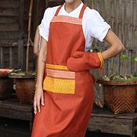 Cotton apron and oven mitt, 'Ginger Kitchen Style' - Cotton apron and oven mitt
