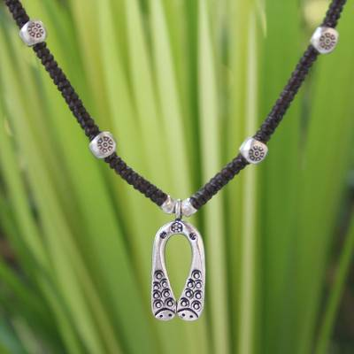 Silver choker, 'Hill Tribe Horseshoe' - Handmade Hill Tribe Silver Choker Necklace