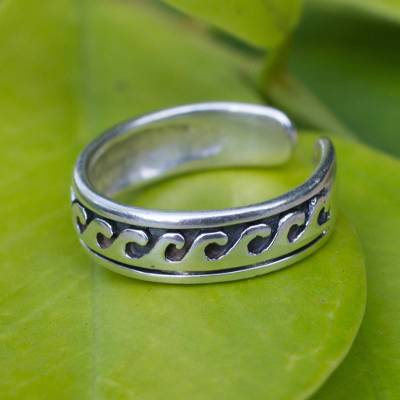 Sterling silver toe ring, 'Beach Beauty' - Modern Sterling Silver Toe Ring
