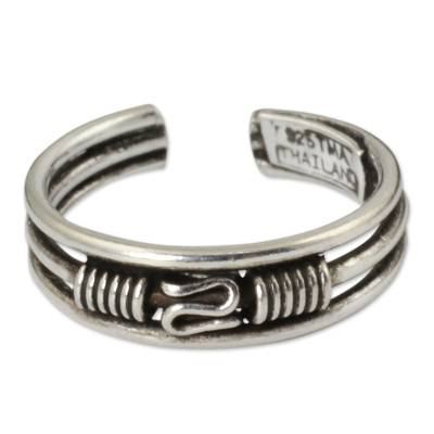 Toe Ring in Sterling Silver Thai Artisan Jewelry
