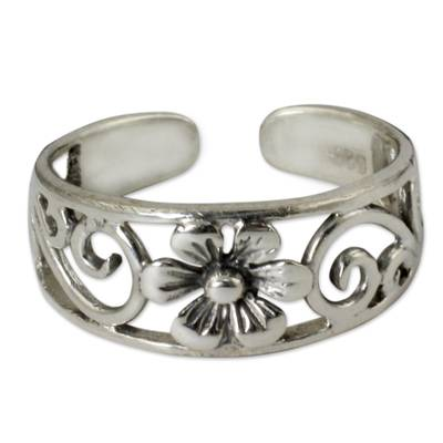 Flower Toe Ring in Sterling Silver Thai Artisan Jewelry