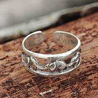Sterling silver toe ring, 'Elephant Walk' - Thai Elephants Sterling Silver Toe Ring