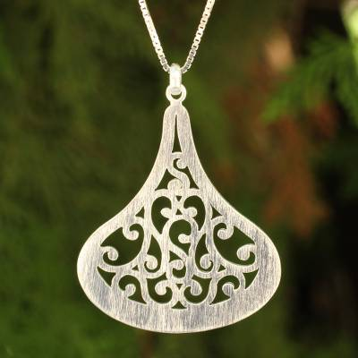 Sterling silver pendant necklace, 'Lanna Dew' - Thai jewellery Sterling Silver Necklace