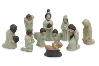 Celadon ceramic nativity scene, 'Siam Holy Birth in Green' (set of 10) - Unique 10-piece Celadon Ceramic Nativity Scene