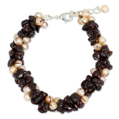 That Hand Knotted Pearl and Garnet Beaded Bracelet