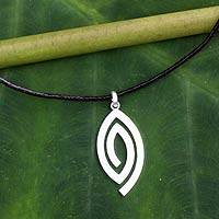 Men's sterling silver necklace, 'Hypnotized' - Fair Trade Men's Necklace Hand-crafted Jewelry