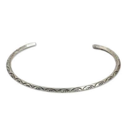 Sterling silver cuff bracelet, 'Garland' - Narrow Silver Cuff