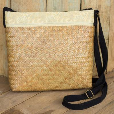 Natural fibers with cotton accent shoulder bag, 'Siam Elephants' - Beige Natural Fiber Shoulder Bag with Cotton Accent