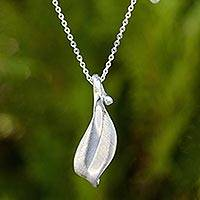 Sterling silver pendant necklace, 'Solitary Leaf'