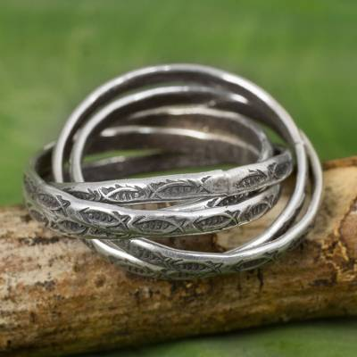 Five Interlinked Fish Theme Hill Tribe Silver Rings