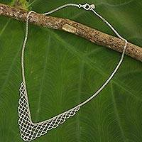 Sterling silver collar necklace, 'Vintage Mesh' - Sterling Silver Mesh Style Collar Necklace from Thailand