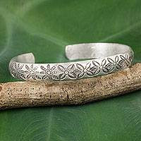 Silver cuff bracelet, 'Karen Daisy Garland' - Thai Karen Hill Tribe Artisan Silver Cuff Bracelet