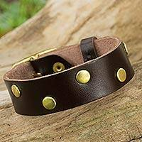 Leather wristband bracelet, 'Dance on Chocolate' - Brown Leather Wristband Bracelet with Brass Stud Zigzag