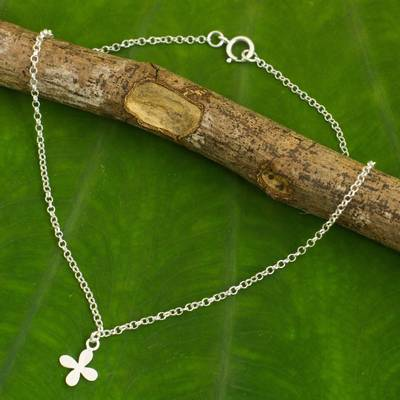 Sterling silver pendant anklet, 'Lucky Blooming' - Hand Crafted Sterling Silver Anklet with Floral Pendant