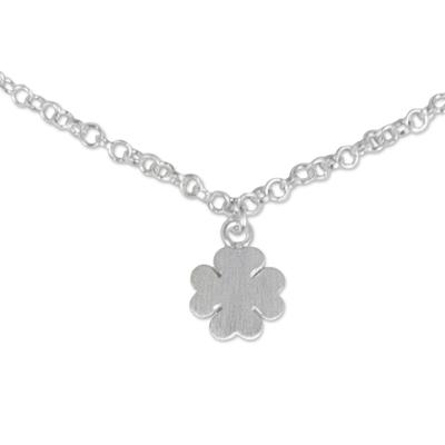 Sterling silver pendant anklet, 'Clover Luck' - Hand Crafted Sterling Silver Anklet with Clover Pendant