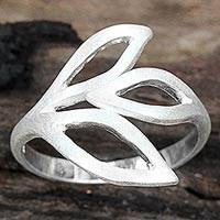 Sterling silver wrap ring, 'Sprouting Leaves' - Sterling Silver Leaves Wrap Band Ring by Thai Artisan