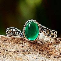 Onyx cocktail ring, 'Elusive Green'