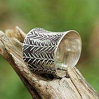 Sterling silver wrap ring, 'Embossed Leaves' - Unisex Sterling Silver Leaf Motif Wrap Ring from Thailand