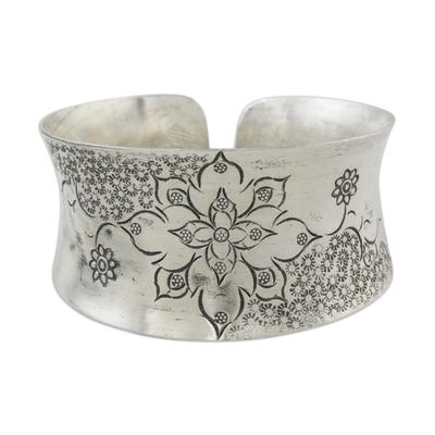 Sterling silver cuff bracelet, 'Thai Flower' - Floral Sterling Silver Cuff Bracelet from Thailand
