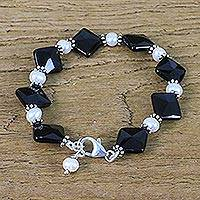 Onyx and cultured pearl beaded bracelet, 'Mysterious Charm' - Square Onyx and Cultured Pearl Beaded Bracelet from Thailand