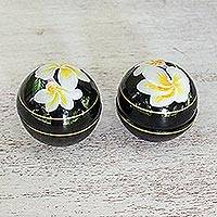 Decorative wood boxes, 'Plumeria Charm' (pair) - Pair of Round Lacquerware Boxes with Plumeria Motifs