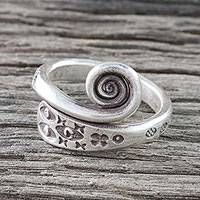 Sterling silver wrap ring, 'Silver Eye' - Handmade 925 Sterling Silver Flower and Eye Ring Thailand