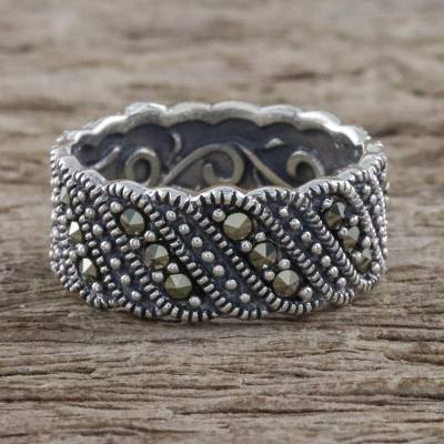 Vintage Style Marcasite and Silver Band Ring