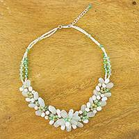 Quartz and cultured pearl beaded necklace, 'Elegant Flora in Green' - Green Quartz and Cultured Pearl Necklace from Thailand