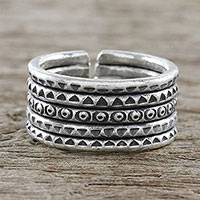 Sterling silver wrap ring, 'Chiang Mai Distinction' - Handmade Sterling Silver Thai Hill Tribe Geometric Wrap Ring