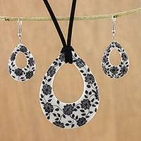 Ceramic jewelry set, 'Blossoming Vines' - Ceramic White Floral Pendant Necklace Dangle Earrings Set