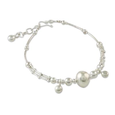 Silver beaded bracelet, 'Shining Silver' - Handmade Karen Silver Pendant Bracelet from Thailand